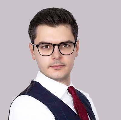 Expert Arkadiusz Steć - profile
